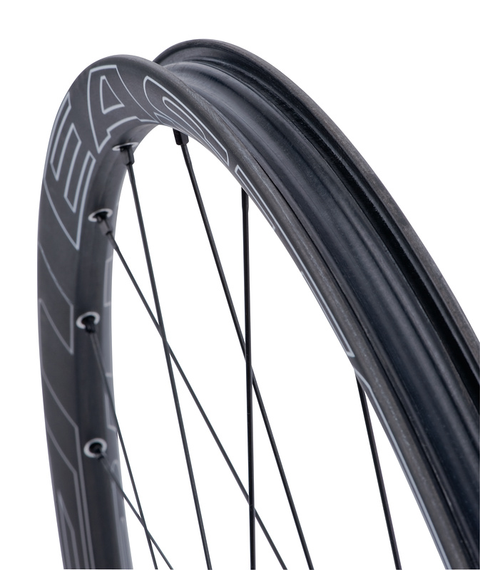 No rim strip required for tubeless!